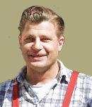 Carsten Heitmeyer - Karosserie- und Fahrzeugbaumeister arbeitet im Werkstattbereich und in der Werkstattannahme